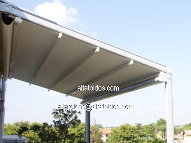 Estructuras de aluminio para terrazas silln para exterior for Estructura de aluminio para toldo
